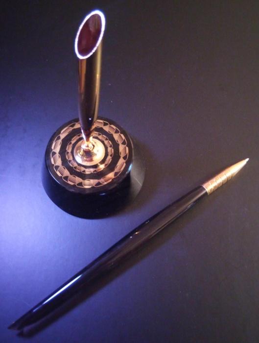 Подставка с ручкой из обсидиана, 67*67*200